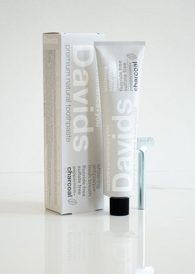 Davids Premium Natural Toothpaste - Charcoal + Peppermint