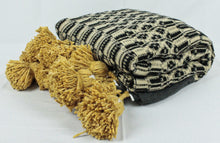Load image into Gallery viewer, Wool Design Pom Pom Blanket- Black and Tan