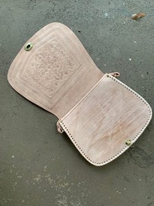 Moroccan Leather Purse: Tan Round