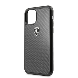 Case Funda Ferrari Fibra de Carbono color Negro iPhone11 - ForwardContigo