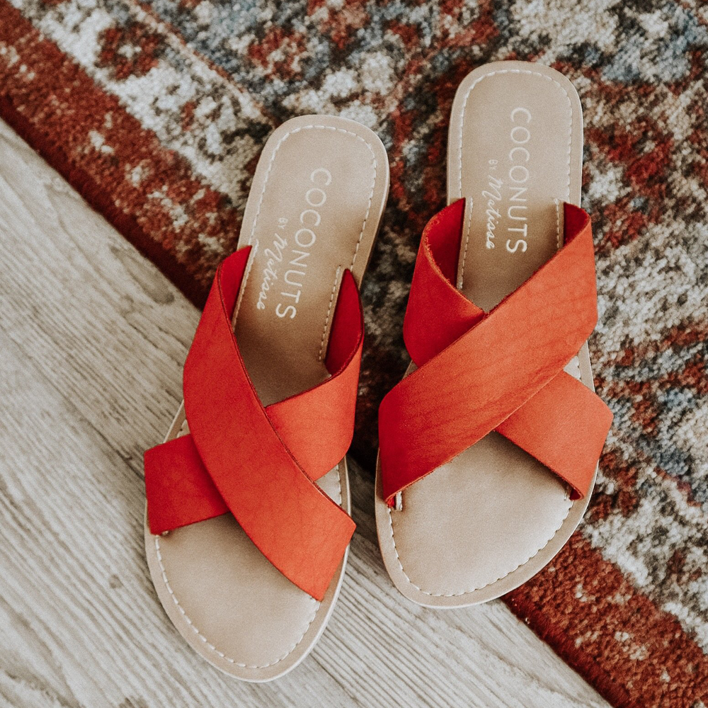 Coconuts by Matisse Pebble Slide on Sandal in Red