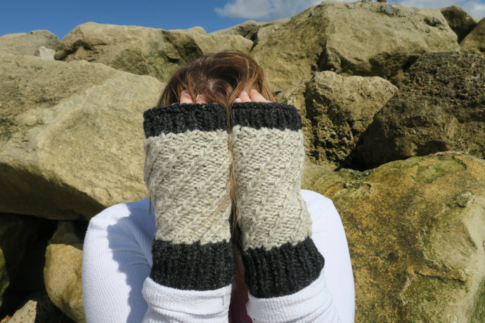 Contrast Woolen Knitted Fingerless Mitts