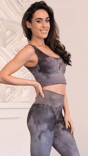 Right side view of model wearing cloudy gray ombre top