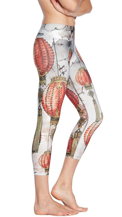 close up side view of Chinese festival lanterns themed printed capri leggings