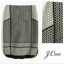 Load image into Gallery viewer, J Crew Black and White Geometric Women Size 2 NWT