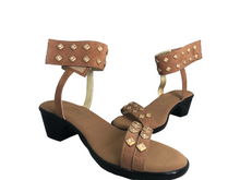 Load image into Gallery viewer, Onex Verona Sandals Size 8