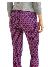 Load image into Gallery viewer, Vineyard Vines Performance Whale Tail Around Town Leggings Size XS 2P0571 EUC
