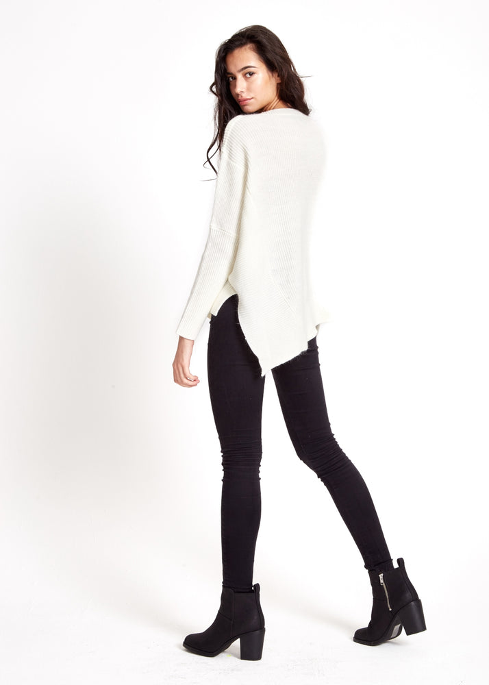 Liquorish Cold Shoulder V neck Off White Jumper