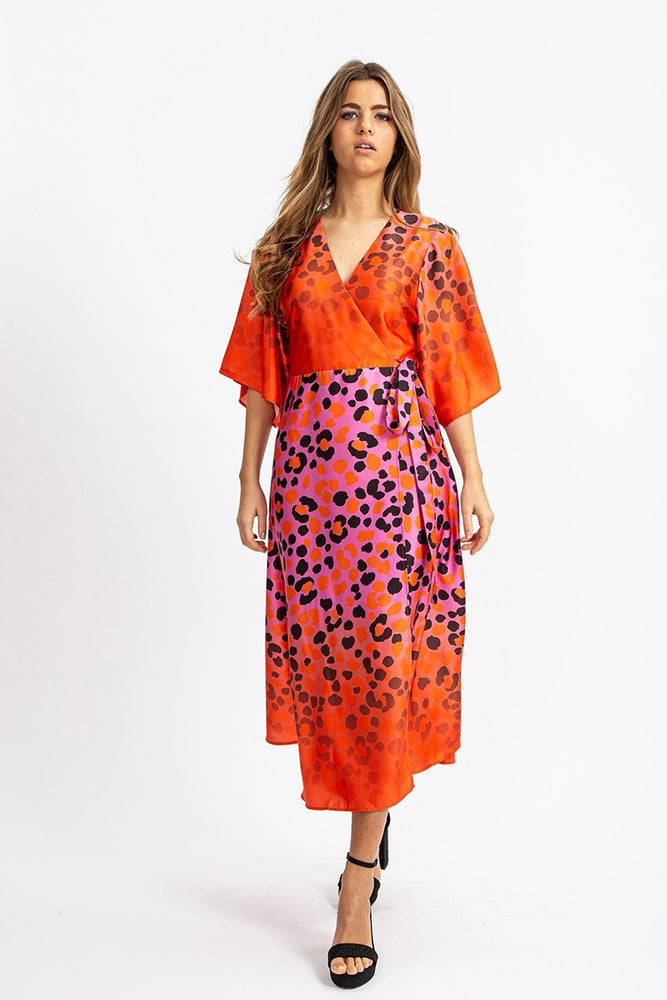 Liquorish Midi Wrap Dress With Kimono Slevees in Ombrè Animal Print