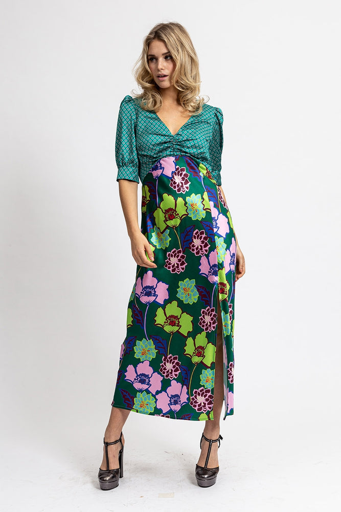Liquorish Maxi Dress In Satin Green Floral Print
