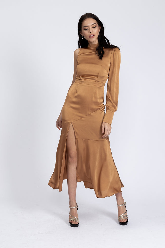 Liquorish One Sleeve Maxi Dress in Gold
