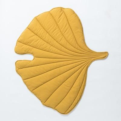 Leaf-Shaped Blanket