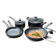 Essential Cookware, that ticks all the boxes for everyday home cooks!