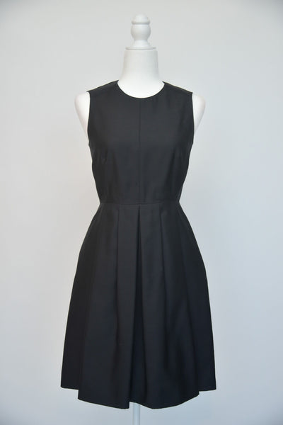 Burberry Sleeveless Black Pleated Dress