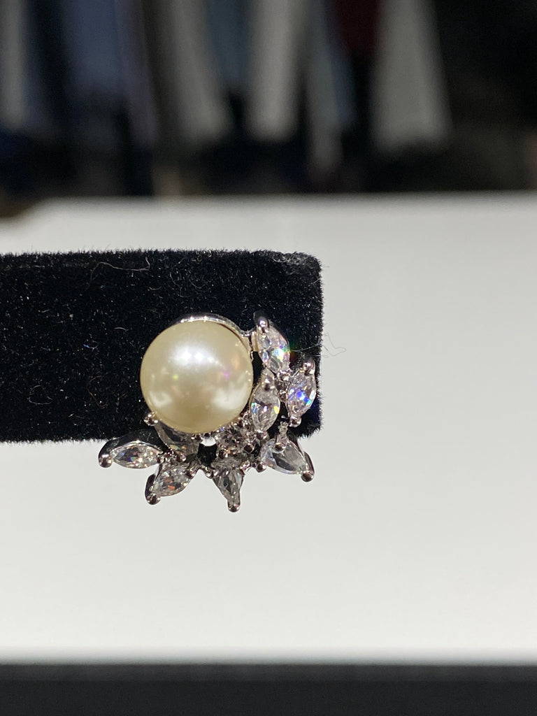 Pearl Earring with Attached Crawler