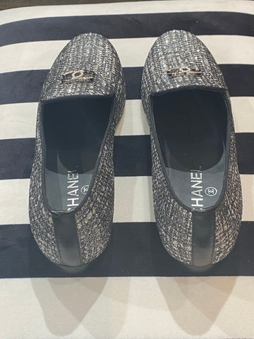 CHANEL Mocassins-Loafers