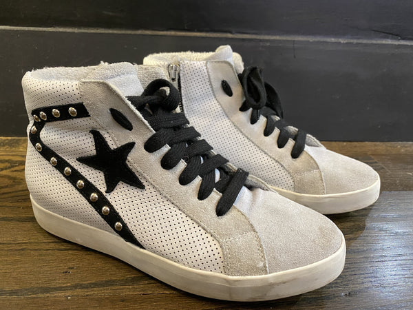 275Central White/Grey Suede Sneaker with Black Star and Laces