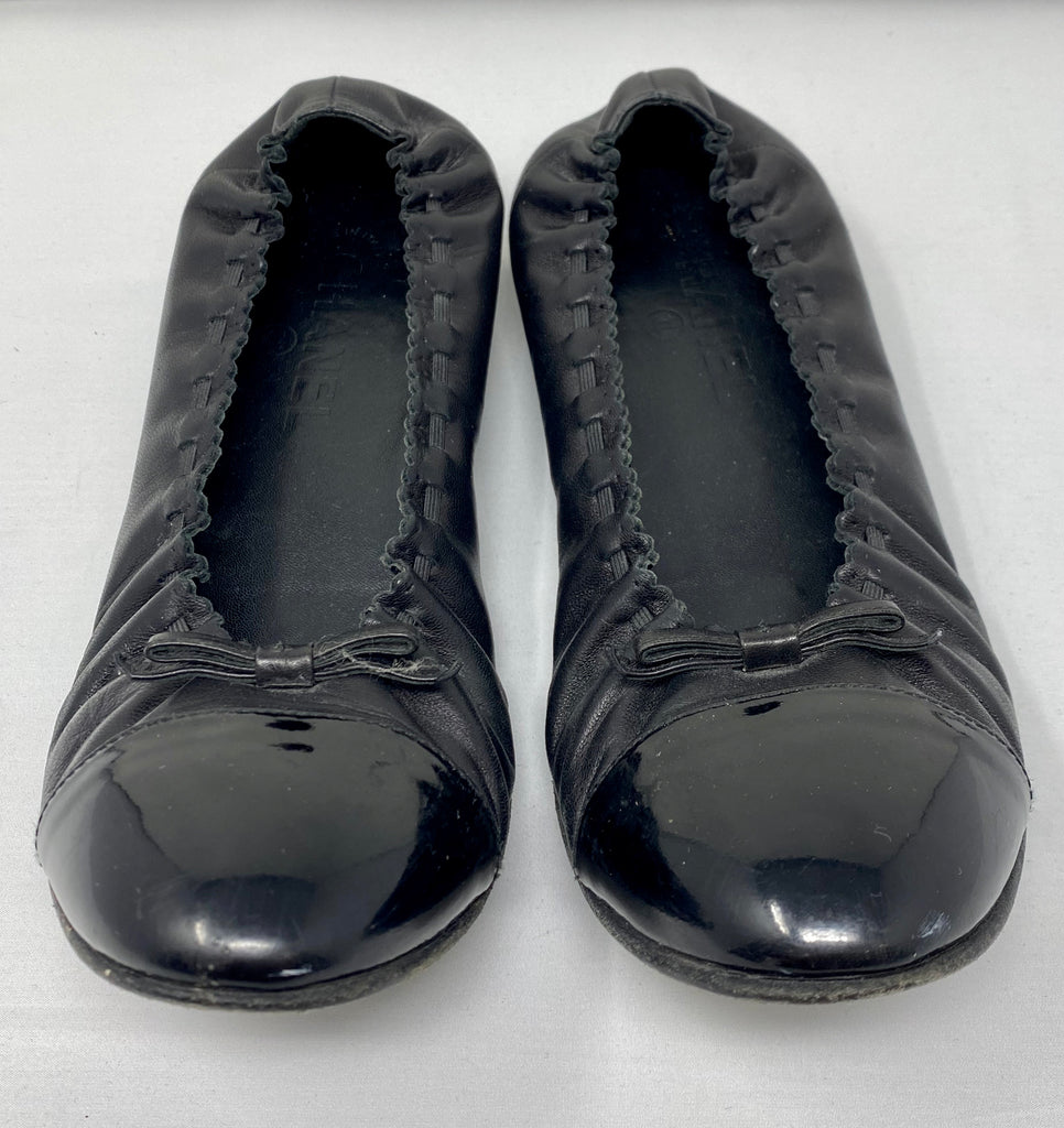 Chanel black Leather Stretch Flats with Patent Toe and Leather Bow