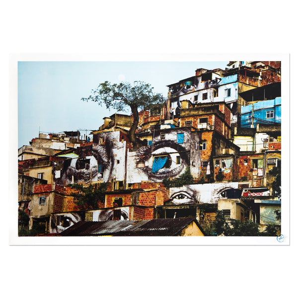 JR - Action Dans La Favela | PRINTS AND PIECES
