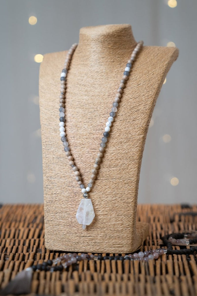 Clear Quartz Stone Necklace - The Wardrobe