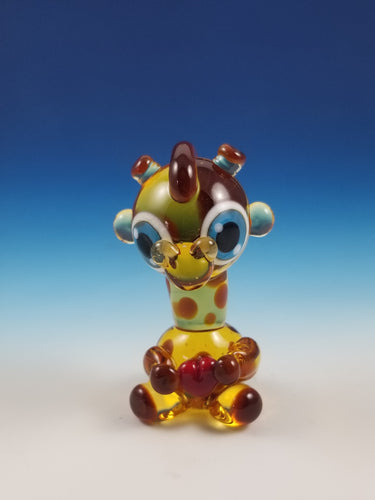 2020 Vision Geoffrey Giraffe with heart Hand Sculpted Glass Figure
