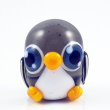 Load image into Gallery viewer, 2020 Vision Pippin Penguin Hand Sculpted Glass Figure