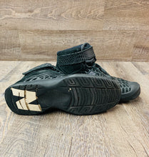 Load image into Gallery viewer, New Balance Pit Shoes- gently used size 11.5