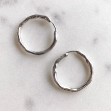 Load image into Gallery viewer, BASIC HOOP earrings