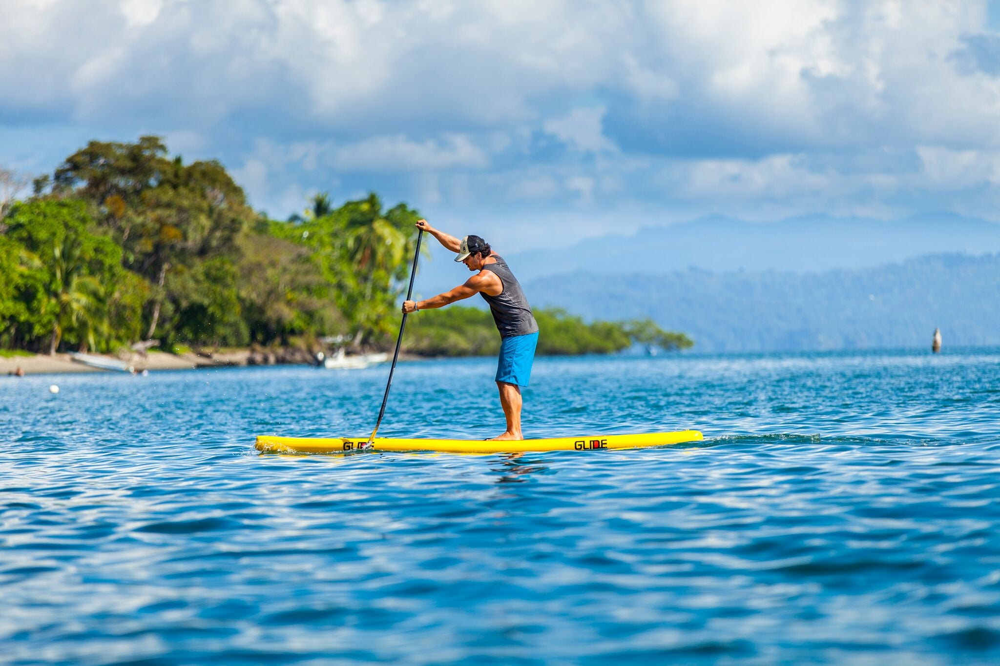 Speed inflatable paddle board