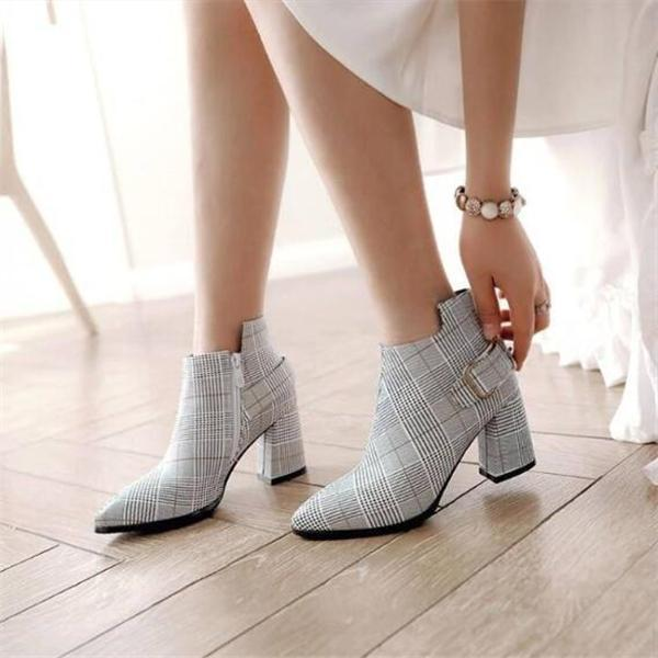 Jolimall Plaid Pointed Toe Winter Boots