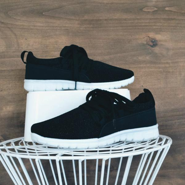 Thishoes Adjustable Laces Suede Sneakers