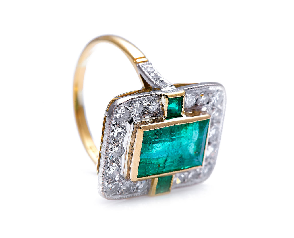 Mid Century, 18ct Gold, Emerald and Diamond Cluster Ring