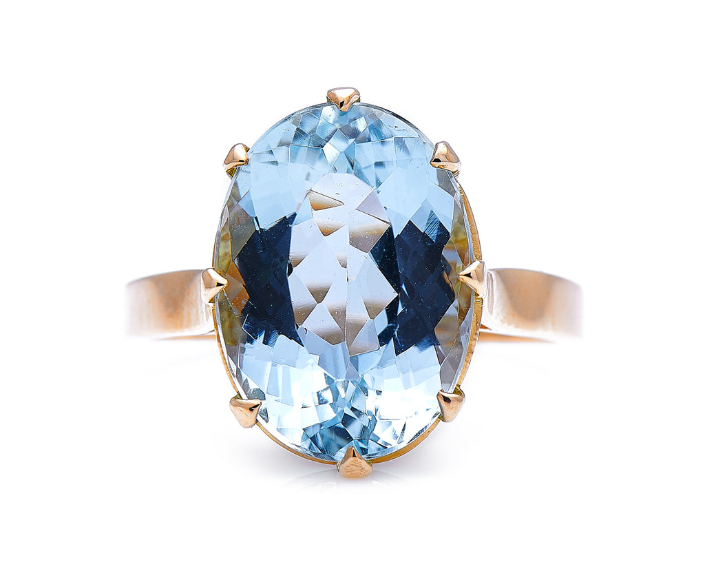 Mid Century, 18ct Gold, Single Stone Aquamarine Ring