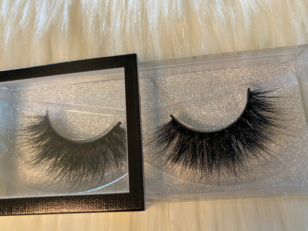 Darkside (Luxury Lashes)
