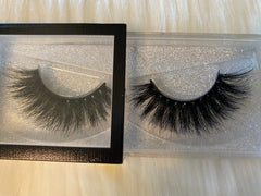 Spicy Mamii (Luxury Lashes)
