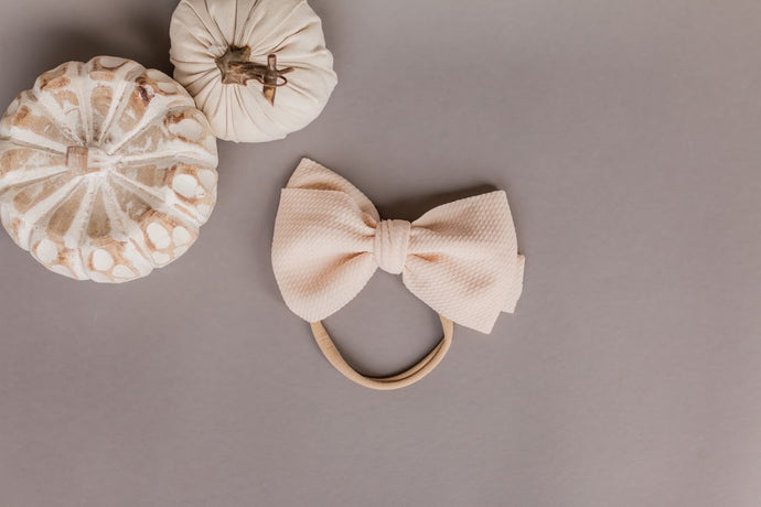 basic bow - cream