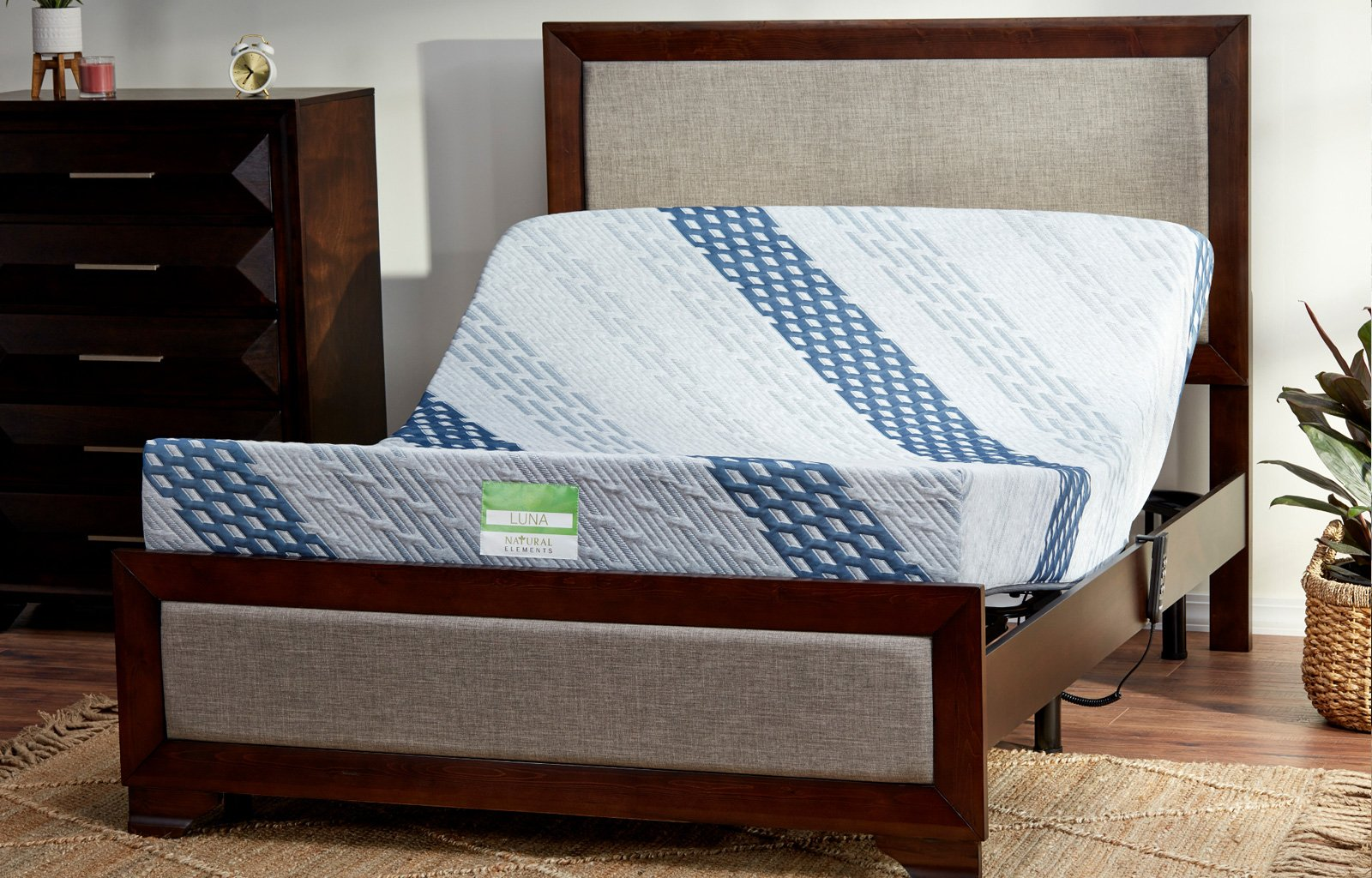 Eagle Adjustable Base & Luna Queen Mattress Set