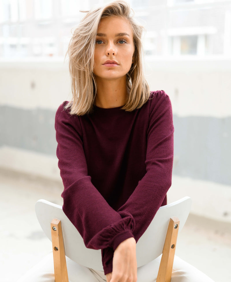 Bordeaux red sweater LA COEUR