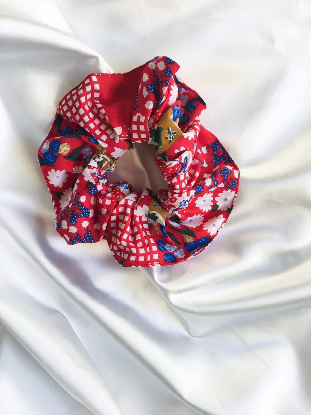 Mellisa scrunchie in floral check