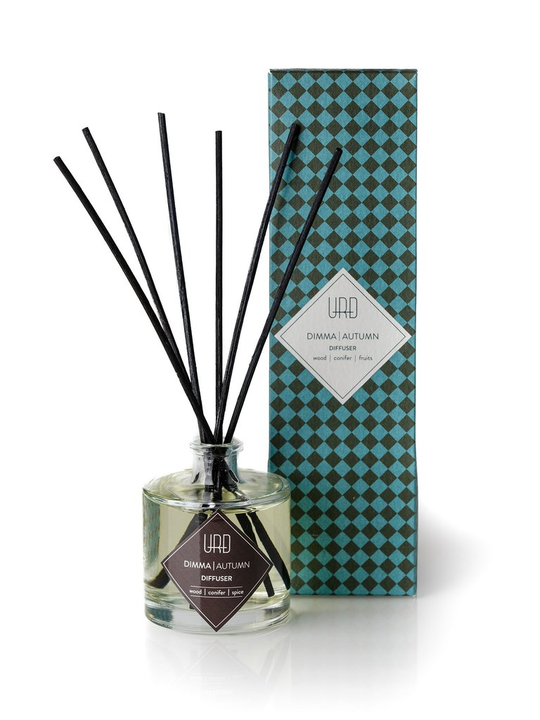 URÐ's delicate autumn diffuser will infuse your home with refreshing scent blend of wood, conifer and spicy notes, reminding you of Icelandic autumn.