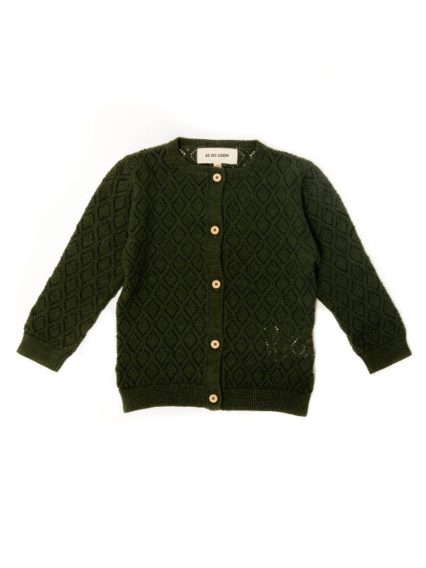 Diamond cardigan in green. Made from 100% organic cotton, front side. Icelandic design.
