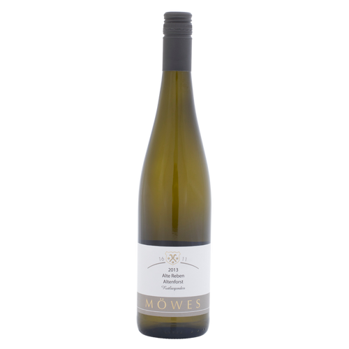 2013, Dry, 11.5%, 750ml  The grapes are grown from red slate soil.   The aromas consist of mango and pineapple. On the palate, the wine has aged aromas and plenty of fruit flavour in the finish.  Riesling 12 -14°C  Will improve after 2 years but can be aged up to 10 years.  Lobster pasta, fried rice  Meditative