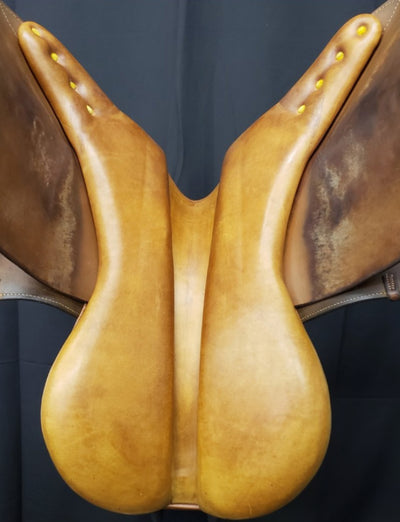 "Crosby Hunterton 17"" Used Close Contact Saddle"
