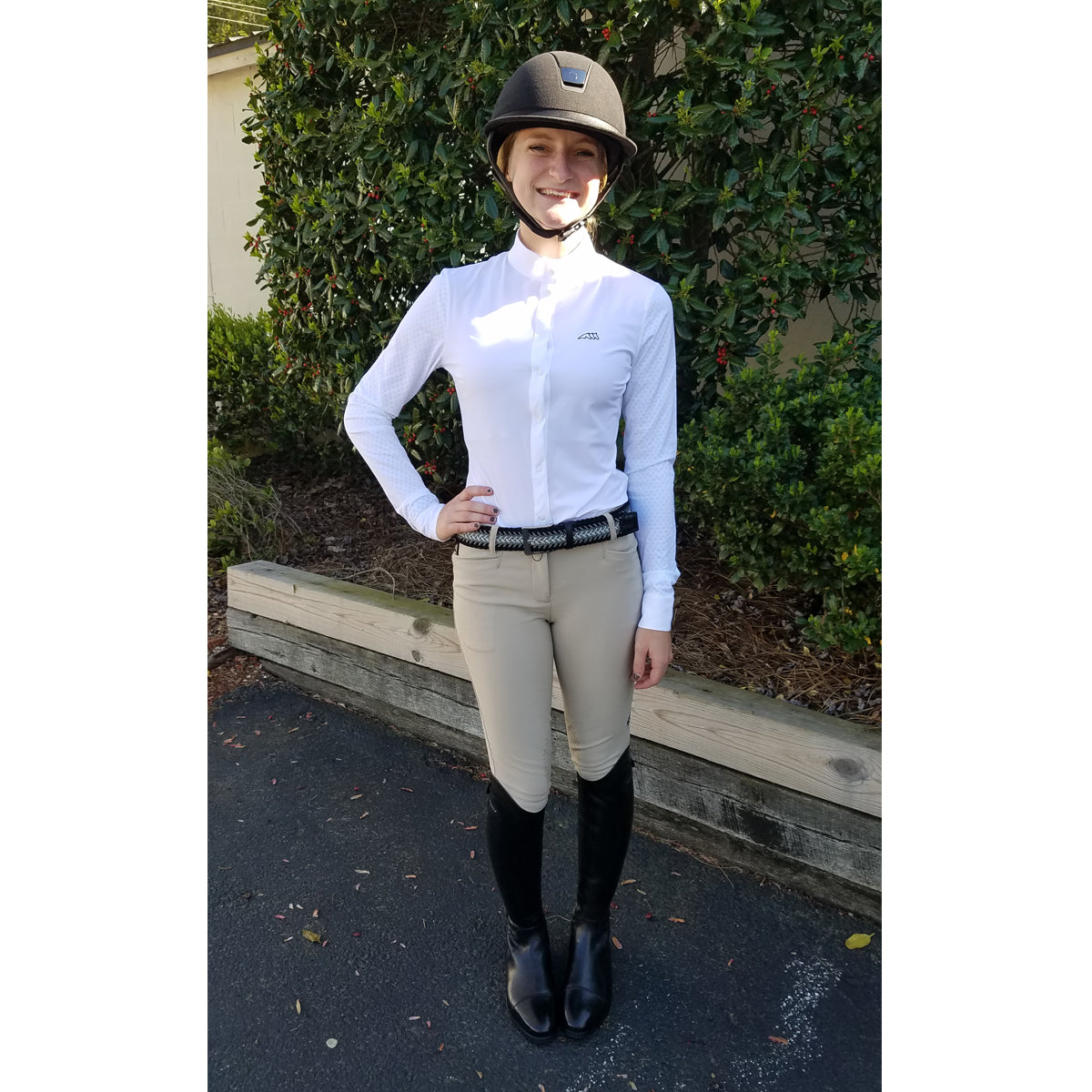 Lizzie wearing Equiline Ash Breeches