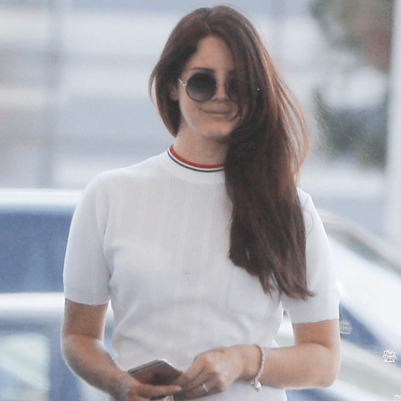 Lana Del Rey wearing Sunday Somewhere Sunglasses