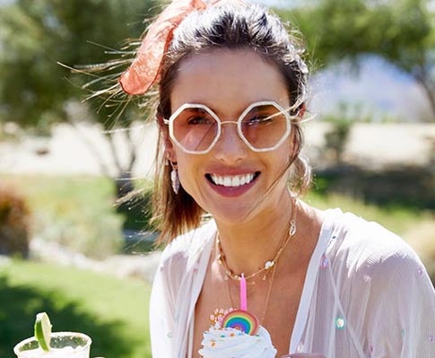 ALESSANDRA AMBROSIO WEARS THE HITOMI MOTHER OF PEARL