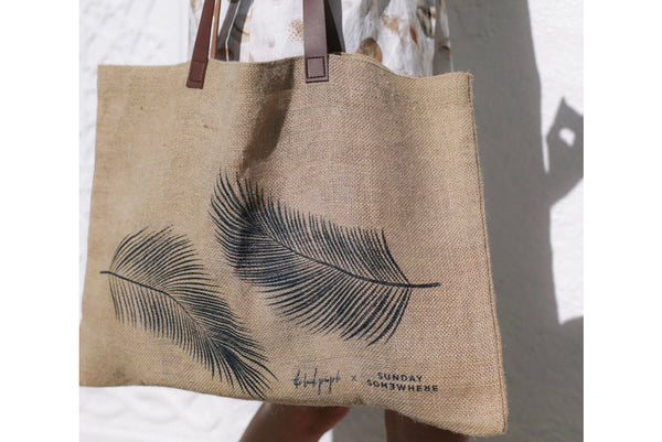 SUNDAY SOMEWHERE X THE BEACH PEOPLE JUTE BAG