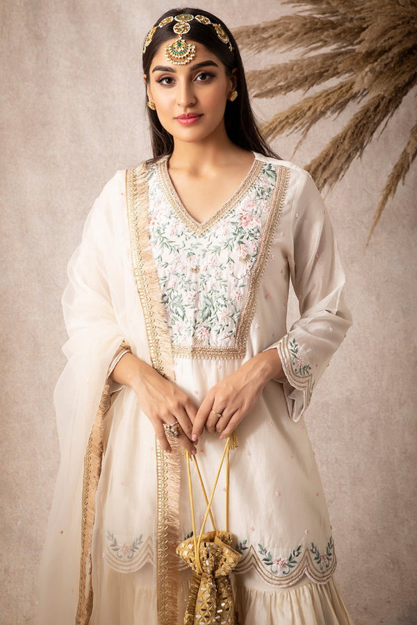 Ivory Short Scalloped Kurta Set - ajieshoberoi