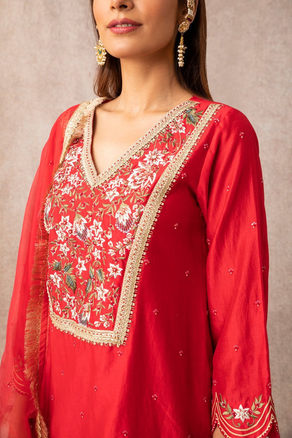 Red Short Scalloped Kurta Set - ajieshoberoi