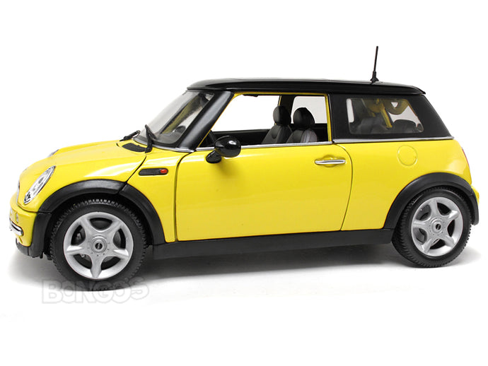 2003 Mini Cooper 1:18 Scale - Maisto Diecast Model (Yellow)